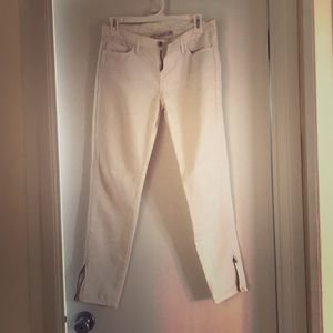 Levi's cropped ankle white jeans